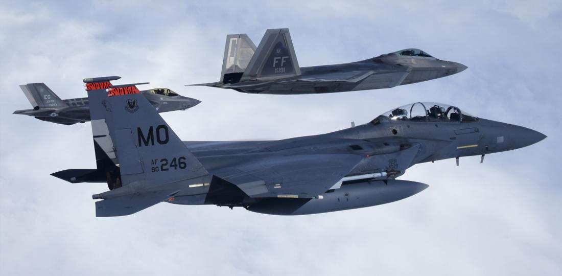 F35-F22-2